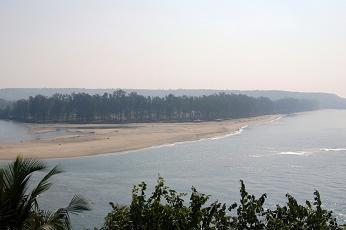 Keri beach from Terekhol
